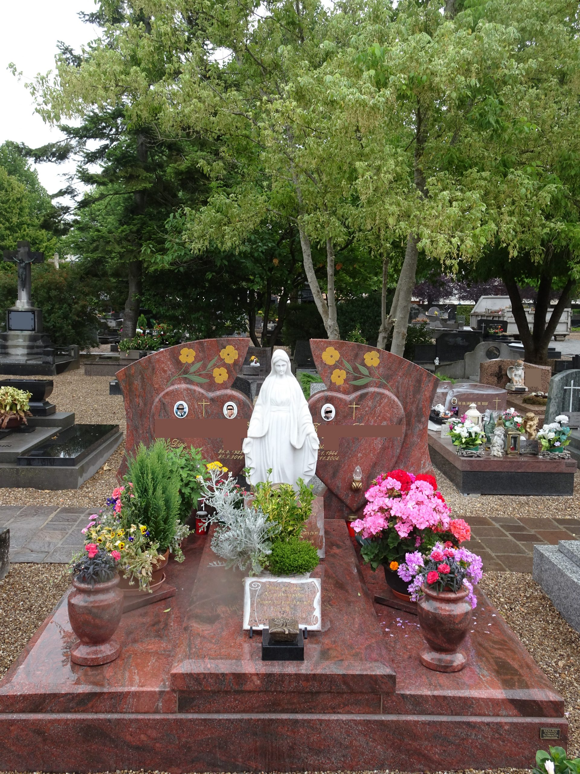 Cemetery Bonnevoie Luxembourg 6