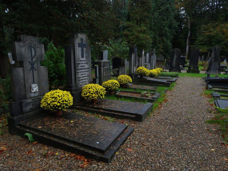 Tongerseweg - Oorlogsgraven