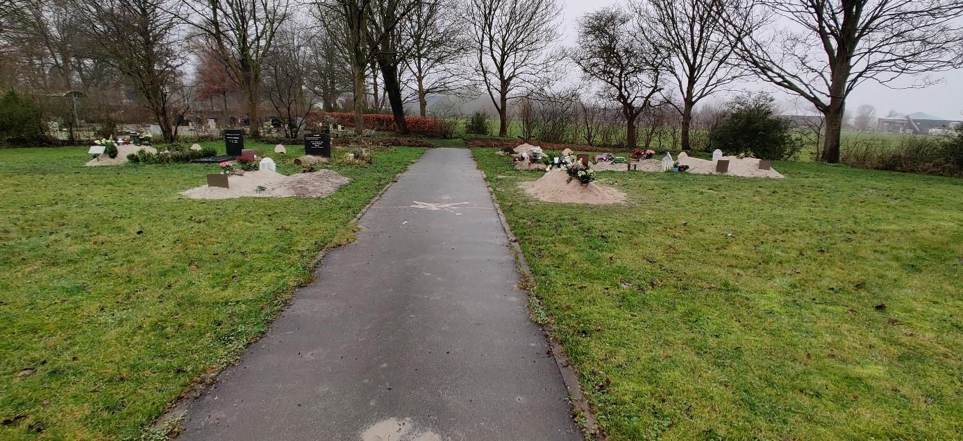 Path Islamic section Noorderbegraafplaats Cemetery Ljouwert Leeuwarden, the Netherlands